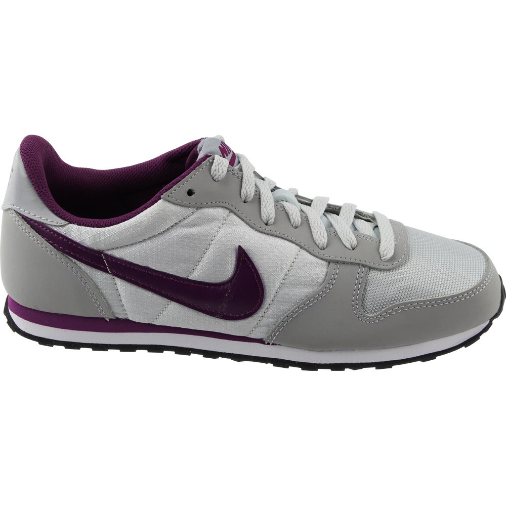 Nike Genicco - Grey - Womens The Genicco a updated retro shoe that lets you show off your style. Allowing for comfort and support. The Genicco features a padded collar and tongue. Along with low profile walls that allow for flexibility and movement the Gennico will keep your style going.