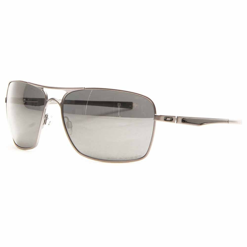 Plantiff Squared Polarized Grey - Mens - Size One Size Color detailing on the stems add a modern twist to these Oakley Plaintiff Squared Polarized men's sunglasses. These pilot polarized sunglasses for men are built with Oakley's C-5 metal alloy frames and square Plutonite® polycarbonate polarized lenses for lightweight comfort and maximum UV protection.